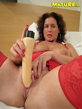 This mature nympho gets wet on dildo
