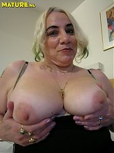 chubby mature slut showing all her stuff