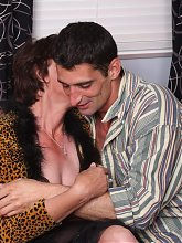 Horny grandma Stephanie never got her pussy fucked this hard till she found a horny young lover live