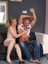 Naughty granny Maria experiences a wild fingerfuck and pussy fucking after she gave a blowjob live