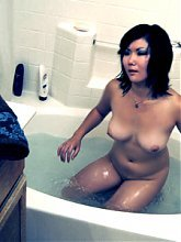 Asian milf ex girlfriend Chiyoko A bathes herself and ends up getting horny in this hot solo scene