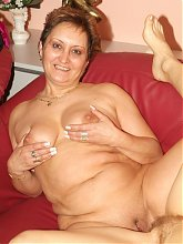 Steph and Julianna are naughty older babes enjoying a kinky girl on girl webcam show on the couch